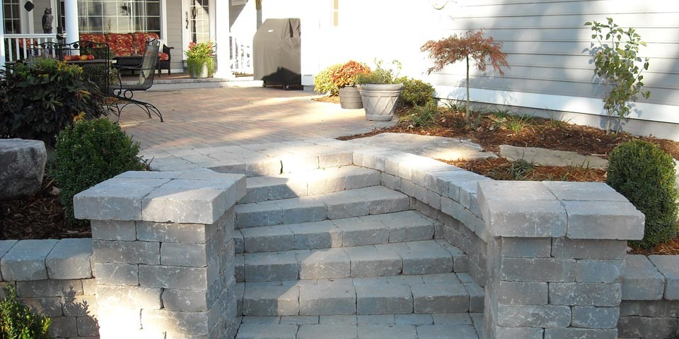 Landscaping Contractors Design Mulch Stone In Georgetown Ky